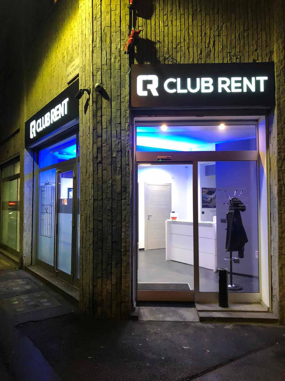 club-rent-ufficio-esterno-notturno