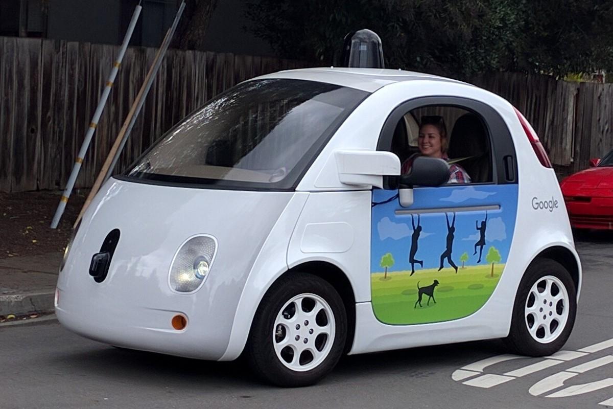 automobile-google-guida-da-sola
